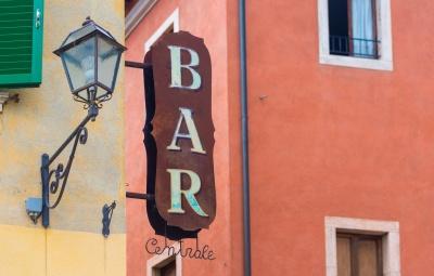 metal-bar-sign